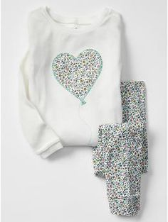 Embroidered heart balloon sleep set