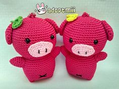 ekapramitadewi:: Yahoo  Have a good saturday from our Cutie Twin Piggy  Height :11 cm Width : 8 cm @adoptmii  Oing oing oing     #amigurumi #amigurumidoll #jualamigurumi #crochet #jualrajutan #rajutanmurah #crocheting #crochetlover #keychain #gantungankunci #kadounik #couple #onlineshopbali #denpasar #cute #love #jualbonekarajut #bonekarajut