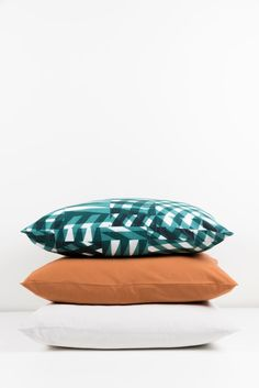 ZigZagZurich makes luxury bedding, duvet covers, curtains, throws and blankets, designed by artists using the finest quality materials made in Italy