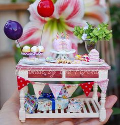 Miniature Birthday party table