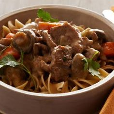 Pressure Cooker Beef Stroganoff @keyingredient #quick #cheese #recipes