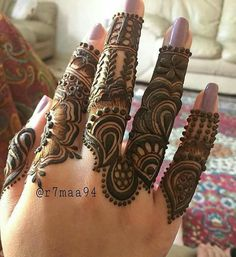 Discover recipes, home ideas, style inspiration and other ideas to try. Finger Mehendi Designs, Legs Mehndi Design, Arabic Henna Designs, Mehndi Designs For Girls, Modern Mehndi Designs, Mehndi Design Pictures, Dulhan Mehndi Designs, Mehndi Designs For Fingers, Beautiful Mehndi Design