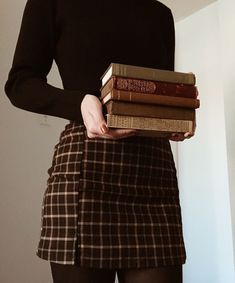 ✔ Aesthetic Outfits Ideas For Kids - Dark academia outfit - Book Aesthetic, Aesthetic Fashion, Aesthetic Clothes, Look Fashion, Fashion Outfits, Athena Aesthetic, Aesthetic Outfit, Aesthetic Dark, Aesthetic Bedroom