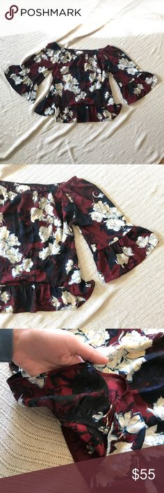Eight Sixty off shoulder floral blouse XS Brand new condition sizes XS. Comes from a smoke free home. ADORABLE blouse☺️ Eight Sixty Tops Blouses