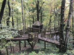 Treehouse, Outdoor Furniture, Outdoor Decor, Bench, Park, Home Decor, Homemade Home Decor, Treehouses, Tree Houses