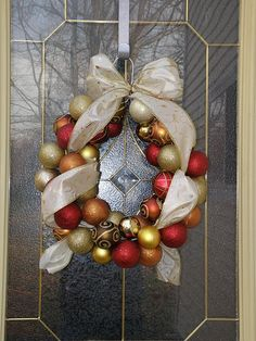 Coronas de esferas de navidad