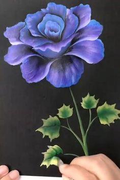 Canvas Painting Tutorials, Diy Canvas Art, Acrylic Painting Flowers, Painting Flowers Tutorial, Fabric Painting, Easy Flower Painting, Watercolor Flowers, Flower Art, Easy Rose Drawing