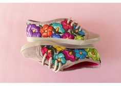 Lolkina: Benita Beige - Kichink! Mexican Embroidery, Wool Embroidery, Embroidery Sneakers, Sharpie Shoes, Decorated Shoes, Shoe Art, Mexican Style, Painted Shoes, Diy Clothes