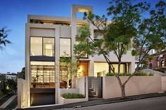Domain Road Residence in South Yarra (Video)- a little too much white but that can be fixed with some paint.
