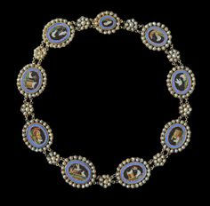'Pliny's Doves' An exceptional Antique Micro-Mosaic Necklace