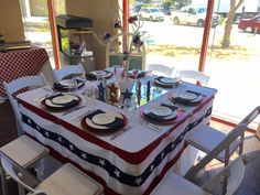 American themed table
