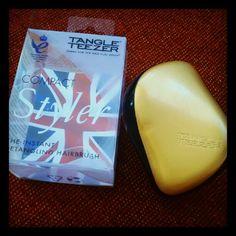 Mi última poticompra #tangleteezer #hairbrush @maquillalia #pedidoconjunto #potiscoruna - @julyapepry- #webstagram