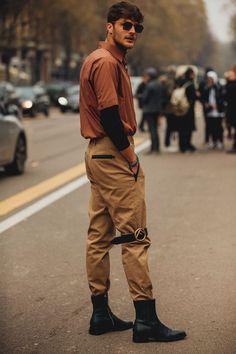 Street style at Milan Fashion Week fall-winter in Milan - Street Style Outfits, Street Style Inspiration, Street Style Trends, Fashion Inspiration, Street Styles, Fashion Week Hommes, Style Outfits, Trendy Outfits, Milan Fashion Weeks, Fashion 2018