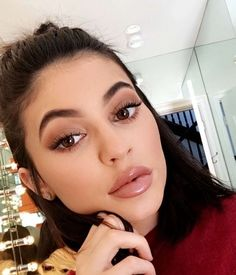 2 New Kylie Gloss color SO Cute and Literally Sold Out Gloss Kylie Jenner, Ongles Kylie Jenner, Kylie Jenner Fotos, Estilo Kylie Jenner, Kendall And Kylie Jenner, Kardashian Jenner, Kylie Lipgloss, Kylie Lips, Lipstick