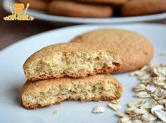 Как приготовить домашнее овсяное печенье без яиц. Есть замечательный рецепт по ГОСТу. Использовать овсяную и пшеничную муку в указанных пропорциях.
