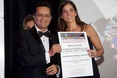 D. Ints.  Covadonga Hernandez Garcia, Medalla de Oro de la VII Bienal Iberoamericana CIDI de Interiorismo, Diseño & Paisajismo 2014 - 2015 en la Categoría Comercial Tiendas y Showrooms, por el Showroom MARQCÓ Santa Fe, México, D. F.