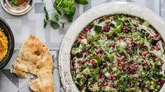 K-Ruoka sivuston vinkkejä vegaaniseen ruokavalioon! Delicious Vegan Recipes, Gluten Free Recipes, Balela Salad Recipe, Guacamole, Spaghetti, K Food, Vegan Food, Fried Apples, Hawaiian Rolls
