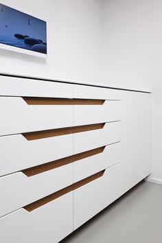 DR. HÄUSSERMANN | 12:43 Architekten Dental Office Decor, Medical Office Design, Modern Office Design, Office Interior Design, Dental Design, Clinic Design, Dental Cabinet, Dentistry, Interior Architecture