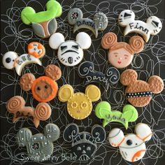 A round up of Star Wars baking recipes, tutorials and ideas by Sweet Jenny Belle