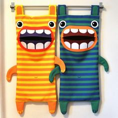 Hungry Monster Laundry Bags // DIY tutorial with pre-designed fabric panels! a great idea would be to have a colorful one and a black and white so the kids would separate their own laundry! Fabric Crafts, Sewing Crafts, Sewing Projects, Craft Projects, Projects To Try, Sewing For Kids, Baby Sewing, Diy For Kids, Crafts For Kids