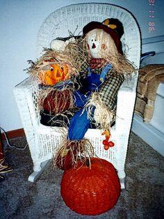 Pumpkin in a chair. Fabulous fall decor!