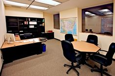We build superior commercial work spaces in distinguished Northwest style - Oakcraft Furniture of Oregon