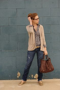How to wear navy gingham: simple jeans and cardigan, with gold belt, shoes and accessories to dress it up