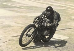 Motorcycle racing started at Brooklands in 1908 and the British Motorcycle Racing Club - known as 'Bemsee' from its initials - was founded in Flat Track Motorcycle, Motorcycle Posters, Motorcycle Types, Motorcycle Design, British Motorcycles, Racing Motorcycles, Vintage Motorcycles, Valentino Rossi, Cafe Racer Moto