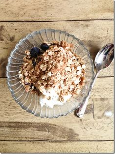 Homemade Peanut Butter & Fig Granola {Gluten-free} - so easy and healthy!