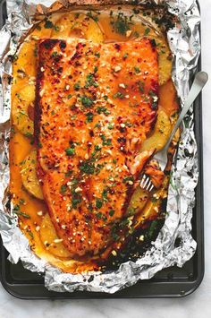Baked Thai Pineapple Salmon in Foil – Main Dish Recipes - Fish Recipes Salmon Dishes, Seafood Dishes, Seafood Recipes, New Recipes, Dinner Recipes, Cooking Recipes, Healthy Recipes, Meals With Salmon, Sushi Recipes
