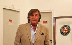 Correva il 1976 quando Adriano Panatta si aggiudicò il Roland Garros, colorando d'azzurro il torneo francese.Parigi