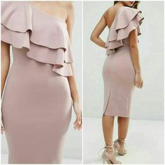 Vestido con boleros One Shoulder Ruffle Top, One Shoulder Gown, Classy Gowns, Hollywood Fashion, Dress To Impress, Beautiful Dresses, Casual Outfits, Couture, Ankara