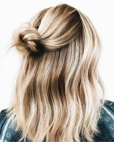 Hair hair styles hair color hair cuts hair color ideas for brunettes hair color ideas Ponytail Hairstyles, Pretty Hairstyles, Medium Hairstyles, Short Haircuts, Hairstyles 2016, Hairstyle Short, Formal Hairstyles, Hairstyle Ideas, Blonde Hairstyles