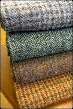 never enough tweed ! Vêtement Harris Tweed, Harris Tweed Fabric, Gents Fashion, Plaid Fashion, Tweed Run, Equestrian Style, Textiles, Classic Outfits, British Style