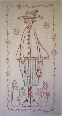 Sabines Stübchen - Gertrude Garden Angel, Hatched and Patched, Stitchery & Patchwork ***I call this Sunshine and Flowers. Hand Embroidery Patterns Free, Towel Embroidery, Embroidery Flowers Pattern, Simple Embroidery, Vintage Embroidery, Embroidery Applique, Cross Stitch Embroidery, Embroidery Designs, Primitive Embroidery