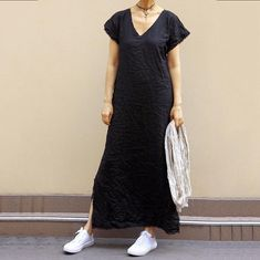 Solid Color V Neck Maxi Dress – The Effective Pictures We Offer You About REd dress videos Red Dress Outfit, Dress Outfits, Casual Dresses, Short Sleeve Dresses, Dresses With Sleeves, Maxi Dresses, Vacation Dresses, Fashion Seasons, Dress Makeup