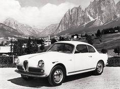 Dziś rano zaprezentowaliśmy Wam nową Giuliettę Sprint, teraz czas na lekcję historii. Zobaczcie jak wyglądała Giulietta Sprint w 1961 roku.