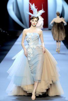 Christian Dior Spring 2011 Couture Fashion Show
