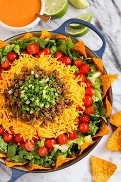 Taco Salad with Creamy Taco Dressing - afarmgirlsdabbles.com #taco #salad #dressing Mexican Food Recipes, Beef Recipes, Salad Recipes, Cooking Recipes, Healthy Recipes, Cooking Tips, Salad Bar, Soup And Salad, Pasta Salad