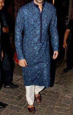 The Traditional Kurta Look Sherwani For Men Wedding, Wedding Dresses Men Indian, Wedding Dress Men, Sherwani Groom, Wedding Groom, Men Ethnic Wear India, Mens Indian Wear, Gents Kurta Design, Boys Kurta Design