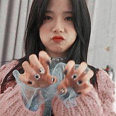 Blackpink Jisoo, Alan Walker, South Korean Girls, Korean Girl Groups, Kim Jennie, K Pop, Black Pink ジス, Blackpink Icons, Divas