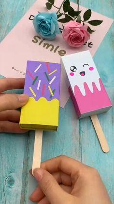 Cool Paper Crafts, Paper Crafts Origami, Cute Crafts, Kawaii Crafts, Fabric Crafts, Diy Crafts Hacks, Diy Crafts For Gifts, Creative Crafts, Craft Presents