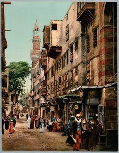 Le Caire. Rue du quartier arabe.     #Afrique_Africa #Egypte