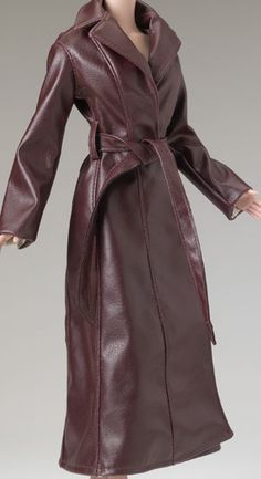 Tyler Wentworth Ready-To-Wear Boutique (2004) COCOA & WINTER WHITE DAYS GROUP Separates/Sets LE 2000 Cognac Leather Coat TB 3411 $39.99  Faux Leather