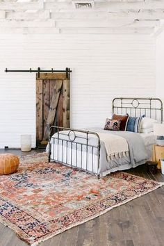 Your New Favorite Bohemian Home Décor Site: Loom + Kiln - Persian Rug in a Bohemian Bedroom Bedroom Vintage, Modern Bedroom, Bedroom Decor, Bedroom Rugs, Bedroom Bed, Contemporary Bedroom, Bed In Living Room, Living Room Carpet, Bedroom Carpet
