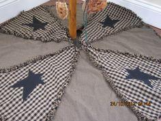 Primitive, Raggy Christmas Tree Skirt.