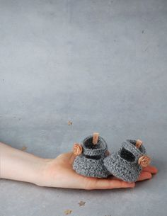 alpaca baby booties with leather flower