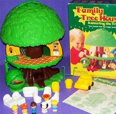 Besides Playskool Toys, I did have one Tree Tots Family Tree House. This did not quite take off like Weebles did, but I loved it & still have it! My Childhood Memories, Childhood Toys, Sweet Memories, Retro Toys, Vintage Toys, Vintage Stuff, 1970s Toys, Vintage Games, Barbie