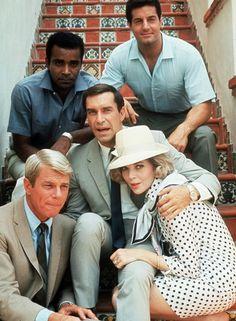 Mission Impossible -Martin Landau as 'Rollin Hand' (Season Peter Graves as 'Jim Phelps' (Season & Barbara Bain as 'Cinnamon Carter' (Season in Mission: Impossible CBS) Great Tv Shows, Old Tv Shows, Mission Impossible Tv Series, 1960s Tv Shows, Vintage Tv, Classic Tv, Best Tv, Movie Stars, Favorite Tv Shows