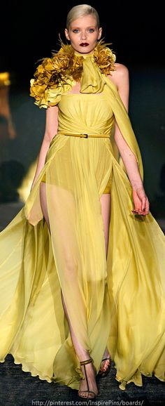 Gucci- I want this dress- very elegant